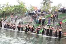 Độc đáo lễ hội gội đầu truyền thống ngày 30 Tết ở Sơn La