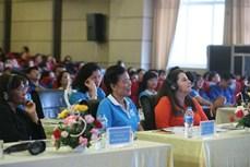 同大学生就性别平等及妇女与儿童安全问题进行对话
