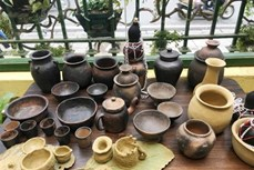 Độc đáo cách làm gốm của người Bana ở Kon Tum