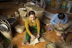 Xây dựng thương hiệu cho các sản phẩm từ cỏ bàng Phú Mỹ của người Khmer