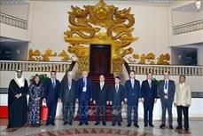 政府总理阮春福会见出席OANA 44的各家通讯社代表团团长