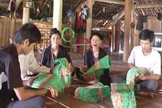 Tuyên Quang: Giữ gìn và phát triển nghề dệt thổ cẩm