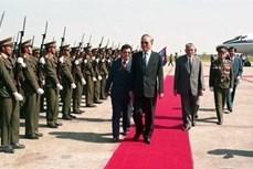 老挝高级领导就原越南国家主席黎德英逝世致唁电