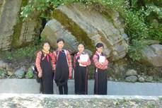 Trang phục truyền thống của người Hà Nhì Hoa ở Lai Châu