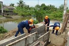 Hỗ trợ xây dựng cầu dân sinh và bảo trì các các tuyến đường địa phương