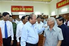 越南政府总理阮春福接待海防市安阳县选民