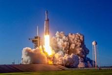 ក្រុមហ៊ុន SpaceX នឹងដឹកធាតុមនុស្ស ១៥២ នាក់ទៅដងតារាវិថីតាមរយៈយានរ៉ុក្កែត Falcon Heavy