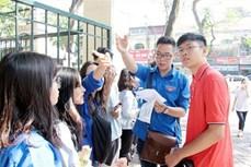 Thanh niên tình nguyện Thủ đô hỗ trợ tiếp sức mùa thi