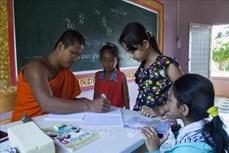 Lớp học tiếng Khmer cho trẻ em trong dịp nghỉ hè ở Kiên Giang