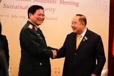越南国防部部长吴春历高度评价泰国在东盟防务合作中的作用