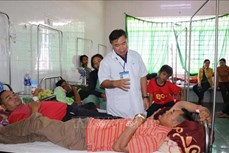 Tích cực điều trị cho các bệnh nhân nghi bị ngộ độc thực phẩm ở Đắk Lắk