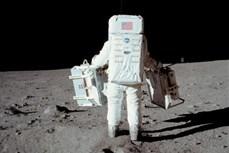 Kỳ tích trên Mặt Trăng