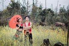 Độc đáo trang phục cưới của người Mông Yên Bái