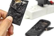 Tử vong do sử dụng điện thoại khi đang sạc pin