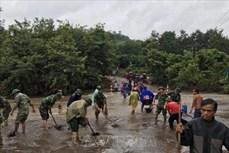 Cấp điện trở lại cho hơn 700 hộ dân huyện miền núi Hướng Hóa bị ảnh hưởng bởi mưa lũ