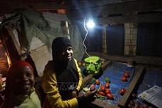 Công nghệ ắc quy mới thắp sáng nông thôn châu Phi
