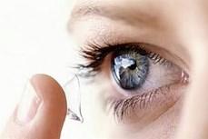Công ty khởi nghiệp Mỹ cho ra mắt kính áp tròng thông minh hỗ trợ người suy giảm thị lực