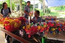 Sắc Tết ở làng hoa giấy Thanh Tiên