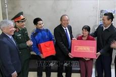 政府副总理张和平春节前慰问河江省边防部队官兵和困难群众