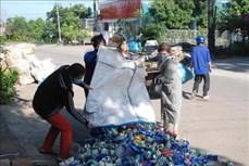 Vận động gây quỹ giúp phụ nữ nghèo từ rác thải phế liệu