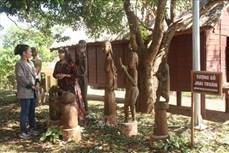 Giữ hồn tượng gỗ dân gian
