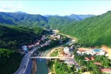 Đồng bào dân tộc thiểu số vùng biên Quan Sơn cần các công trình điện lưới, giao thông