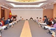 对《越南契约劳动者出国工作法(修正案)》进行初步审查