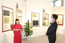 中央宣教部部长武文赏向列宁纪念碑敬献花篮 纪念列宁诞辰150周年