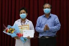Bác sỹ Đồng Tháp sáng chế robot phục vụ người bệnh nhiễm COVID-19