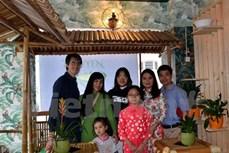 旅居瑞士越南人为当地新冠肺炎疫情防控一线送爱心