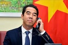 外交部副部长苏英勇与英国外交部亚洲事务国务大臣奈杰尔·亚当斯通电话