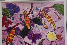 """越南两名儿童获得题为""""星球的自然""""的国际儿童绘画比赛的大奖"""
