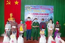 Bộ đội Biên phòng Sóc Trăng giúp dân xây dựng cuộc sống ấm no