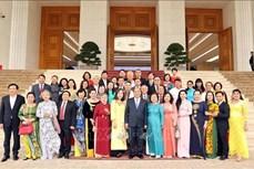 越南政府总理阮春福会见武阿丁助学基金会代表