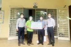 海外越南人捐赠款物支持国内新冠肺炎疫情防控