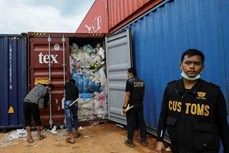 """印尼将把""""洋垃圾""""退回给美英澳新"""