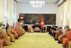 国家主席阮春福会见越南佛教协会领导代表团