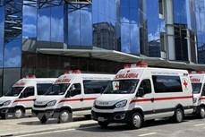 新冠肺炎疫情:长海汽车股份公司向胡志明市捐赠救护车和移动疫苗接种车