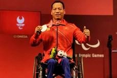 2020年东京残奥会:越南举重运动员黎文公摘下银牌