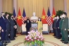 国家副主席武氏映春主持仪式 欢迎美国副总统哈里斯访问越南