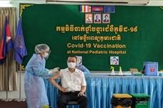 新冠肺炎疫情:为外国驻柬使节接种新冠疫苗