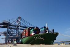 盖梅—布市深水港接待前往美国西海岸的货轮