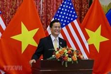 越南驻美国大使何金玉与美国众议员卡斯特罗通电话
