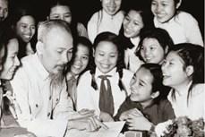 """""""学习和践行胡志明主席思想、道德、作风""""资料和图片展在河内举行"""
