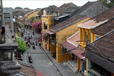 Người Việt Nam đi du lịch Việt Nam (Bài 1)