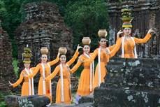 Kết luận của Bộ Chính trị về tiếp tục thực hiện Nghị quyết số 33-NQ/TW về xây dựng và phát triển văn hóa, con người Việt Nam
