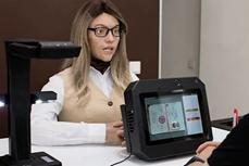 Ứng dụng nữ robot văn thư tại Nga