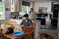 Hơn 50% thanh niên Mỹ đang sống cùng cha mẹ