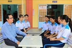 """Nhà giáo Ưu tú Nguyễn Minh Thiện và hành trình """"gieo con chữ"""" cho học sinh vùng sâu Vĩnh Long"""
