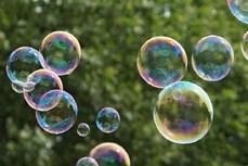 Cảnh báo ngộ độc từ trò chơi thổi bong bóng bằng ống hút